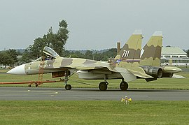 Sukhoi Su-37 at Farnborough 1996 airshow.jpg