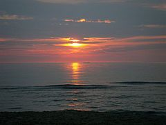 Sunset at beach - panoramio (1).jpg