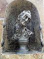 Szent-Györgyi Albert szobra Terényben.JPG
