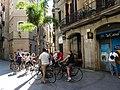 Tallers 45 i grup de turistes en bicicleta P1200603.jpg