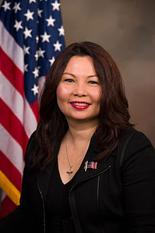 Portrait officiel de Tammy Duckworth.
