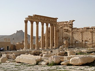 Temple of Bel - Remains of columns and walls at the courtyard