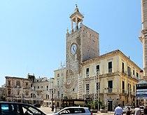 Terlizzi, torre dell'orologio 01.jpg