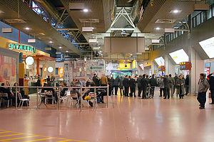 Heathrow Terminal 4 - Terminal 4 interior, prior to refurbishment in 2012