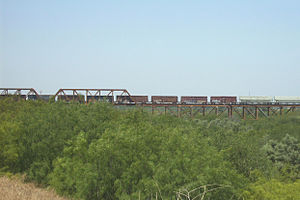Texas Mexican Railway International Bridge - Image: Texas Mexican Railway Bridge