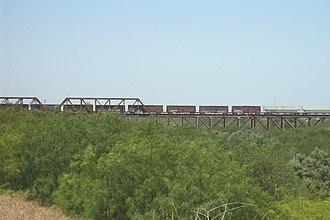 Texas Mexican Railway International Bridge - Image: Texas Mexican Railway Bridge