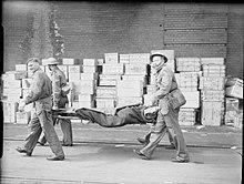 Stretcher bearer - Wikipedia