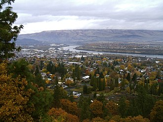 The Dalles, Oregon - The Dalles and the Columbia River in November 2008