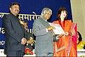 The President Dr. A.P.J. Abdul Kalam presenting the Best Costume Design Award for the year 2002 to NEETA LULLA for the film Devdas, at the 50th National Film Award function in New Delhi on December 29, 2003.jpg