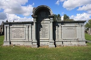 Sir Thomas Dunlop, 1st Baronet - The grave of Sir Thomas Dunlop and family, Glasgow Necropolis