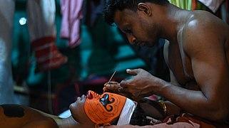 Theyyam at peeleri vayanaattukulavan kaavu 03.jpg