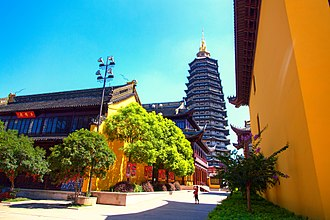 Tianning Temple (Changzhou) - The Tianning Temple with the Tianning Pagoda