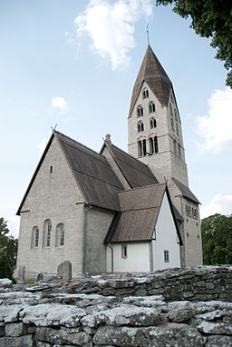 Tingstäde church, 2009-08-11.jpg