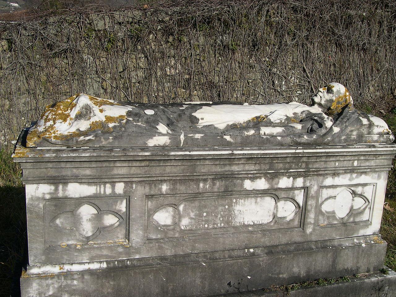 File Tomb of Ouida JPG...