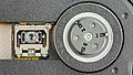 Toshiba XM-7002B - tray with optical unit and motor drive-92191.jpg