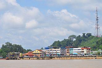 Kanowit - Image: Town on Rejang River panoramio