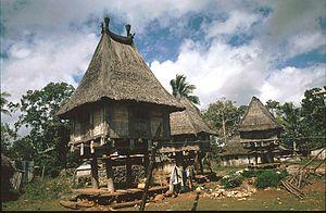 Portail timor oriental wikip dia for Maison traditionnelle laos