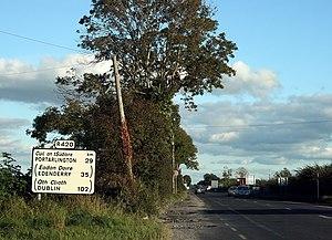 R420 road (Ireland) - R420 leaving Tullamore