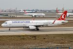 Turkish Airlines, TC-JSR, Airbus A321-231 (31817344342).jpg