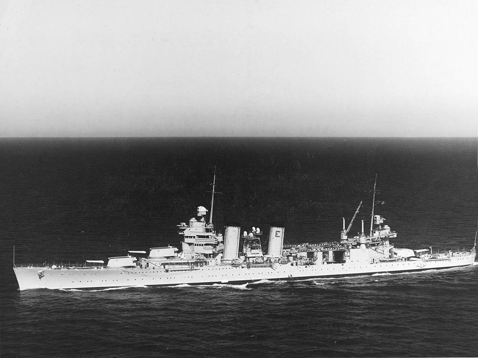 USS Minneapolis (CA-36) underway at sea on 25 June 1938 (NH 50350)
