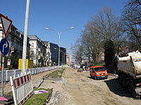 Umbau der Werthmannstraße in Freiburg für die Stadtbahn, in der Bildmitte die neue UB.jpg