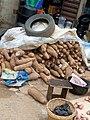 Unhealthy storage of yam tubers.jpg