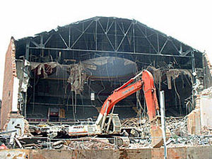 Uptown Theatre (Toronto) - Image: Uptown Theatre Toronto collapse during demolition 2003