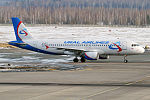 Ural Airlines, VQ-BCZ, Airbus A320-214 (25745805592).jpg