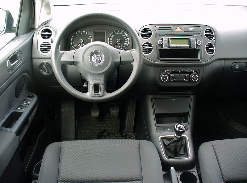 File vw golf plus 1 4 trendline united grey interieur jpg for Interieur golf 4