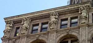 Sun Tower - Image: Vancouver Sun Tower Cornice Detail