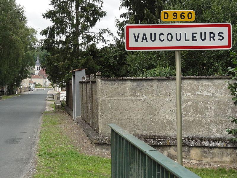 Vaucouleurs (Meuse) city limit sign