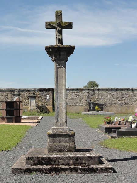 Vaxainville (M-et-M) croix de cimetière