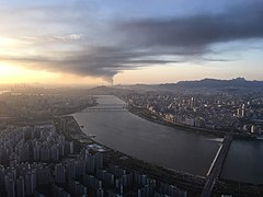 View to the west from Lotte World Tower.jpg