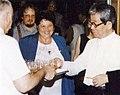 Vihar Judi es Óe KenzaburóBp-en 1997-ben.jpg