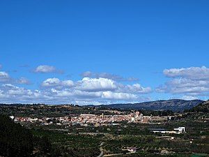 Vista de Viver desde la torre Mudejar de Jérica, en el Alto Palancia, Castellón.jpg