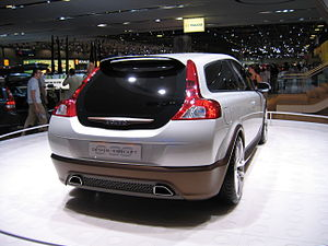 Volvo C30 Concept Car - Flickr - robad0b (1).jpg