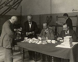 Elections in the Netherlands - Vote counting at Dutch elections in 1913