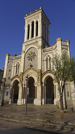 Vue de la cathédrale Saint-Charles à Saint-Etienne