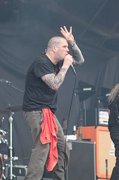 Phil Anselmo in concerto con i Down all'Hellfest 2013