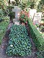 Waldfriedhofdahlelm ehrengrab Jacobs, Helene.jpg