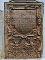 Wappengrabplatte an Pfarrkirche St Urban.jpg