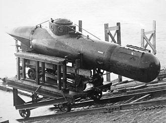 Welman submarine - Image: Welman trialled at Queen Mary Reservoir Staines