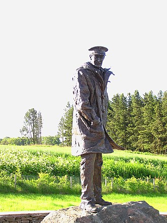 David Stirling - Statue of David Stirling by Angela Conner near Doune, Scotland