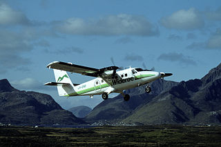 Widerøe Twin Otter at Leknes in 1992