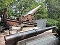Русская осадная пушка и японская мортира во дворе краеведческого музея.jpg
