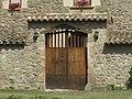 010 Can Font (Tona), portal del recinte exterior.jpg