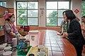 06.16 總統探訪「板橋頤安托老中心」,了解中心的日常照護內容 (35297891746).jpg