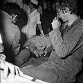 18.05.76 à l'école vétérinaire de Toulouse, opération d'un brocard jeune cerf (1976) - 53Fi897.jpg