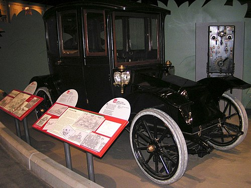 1912 Hupp-Yeats Electric Coach