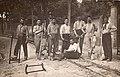 1922 Jean Martin et son équipe réparent laes voies du Tramway de Royan vers St-Palais.jpg